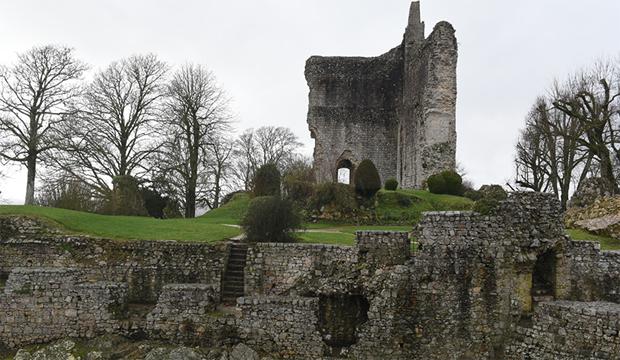 Normandie Médiévale : Domfront-en-Poiraie et Château-Gaillard locomotives touristiques