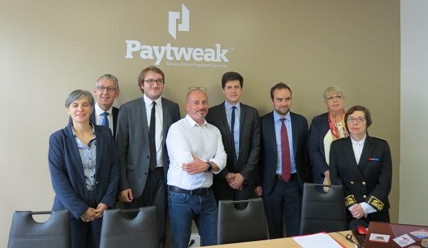 Paiements sécurisés : deux secrétaires d'Etat visitent la société Paytweak
