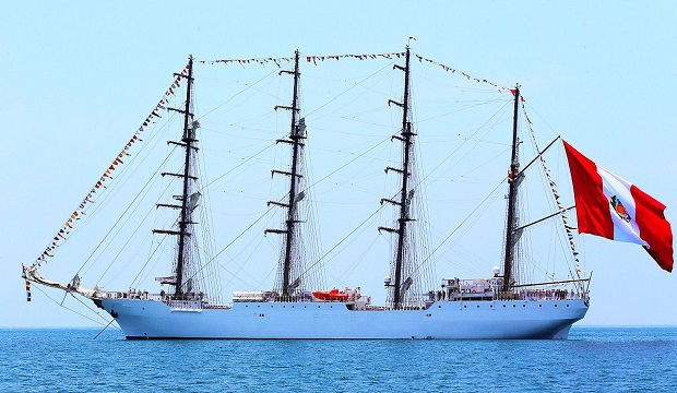 Le fleuron de la marine péruvienne fait escale au Havre !