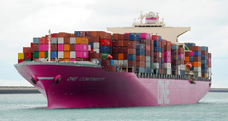 Le 1er navire ONE aux nouvelles couleurs de la compagnie en escale au Havre
