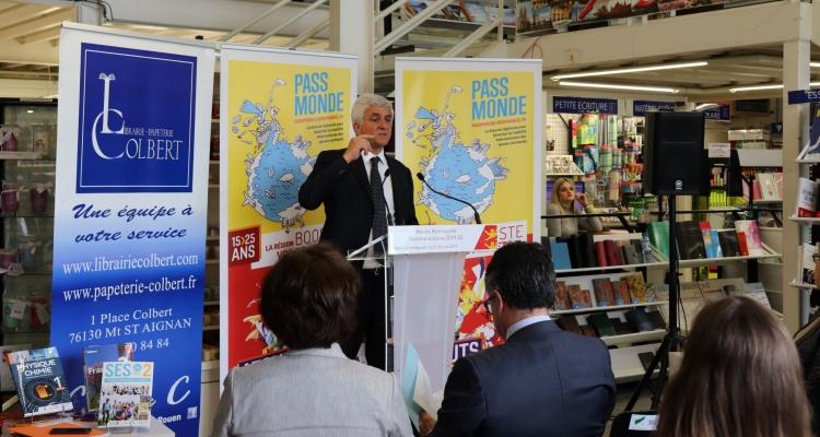 La Région augmente sa contribution à l'achat des livres scolaires des lycéens normands des filières générales et technologiques