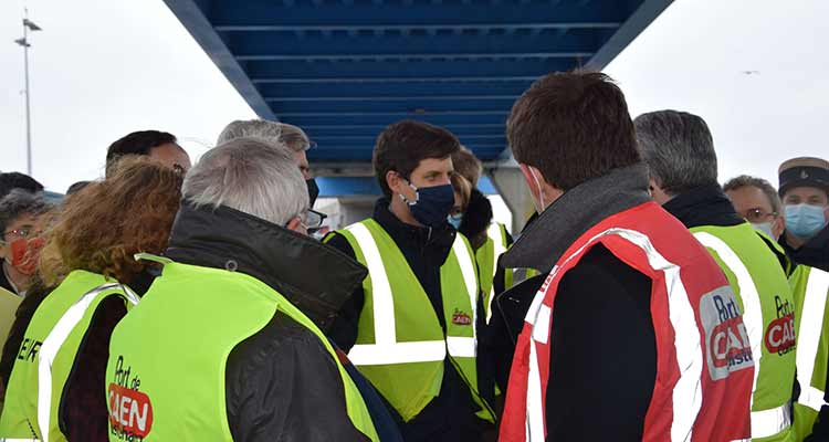 Port de Caen-Ouistreham: le ministre de l'agriculture valide les aménagements de la CCI