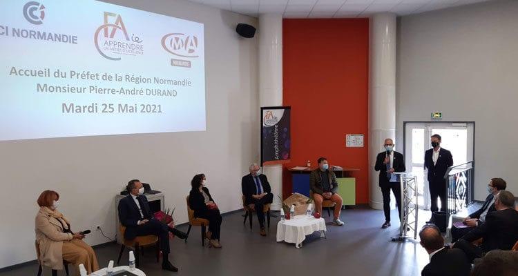 Le préfet de région Pierre-André Durand visite le CFAie de Val-de-Reuil